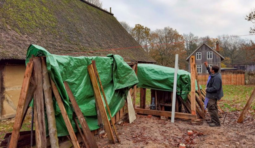 Restaurierung Holzschuppen aus Breetze